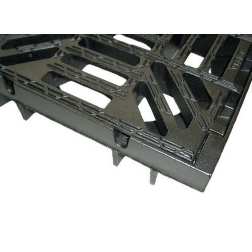 VIATOP mříž - otvory pro odvodnění rámu při výstavbě